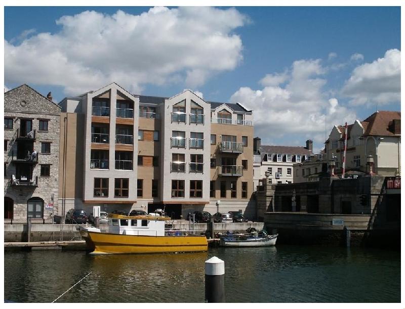Short Break Holidays - Townbridge Apartment