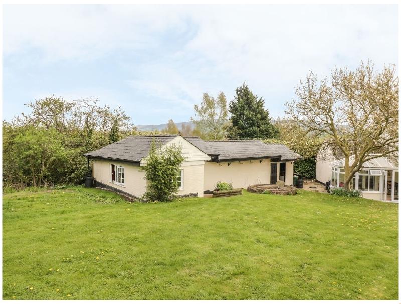 Short Break Holidays - The Cottage at Bredon House