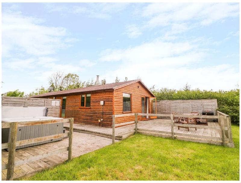 Short Break Holidays - Log Cabin at Furlongs Farm