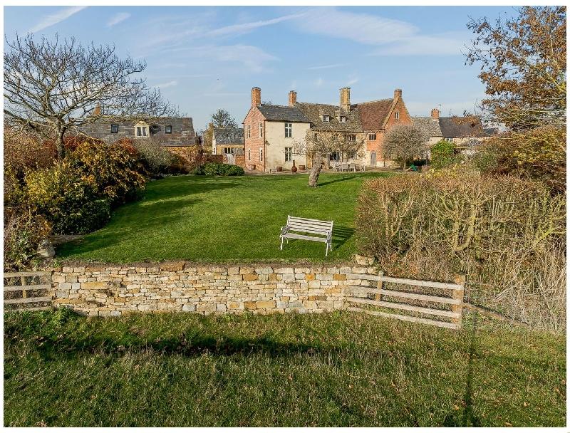 Short Break Holidays - Manor Farm House