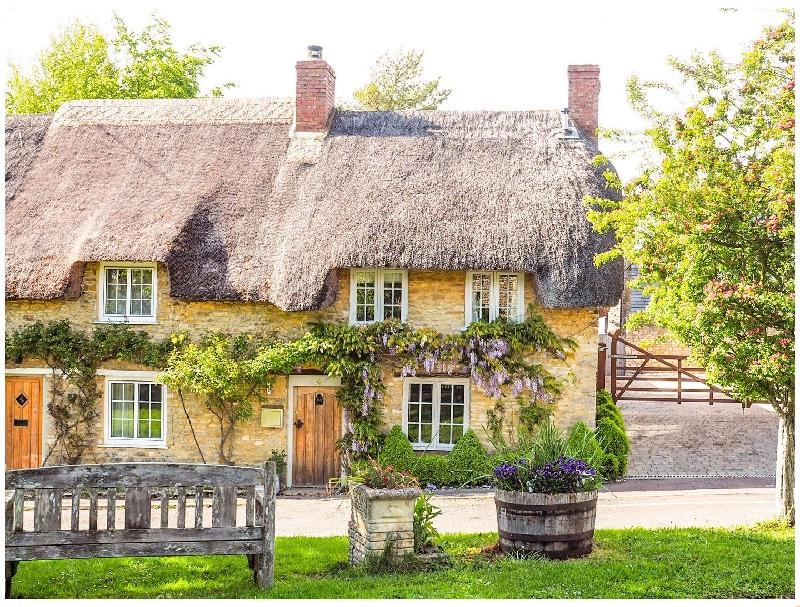 Short Break Holidays - Fountain View Cottage