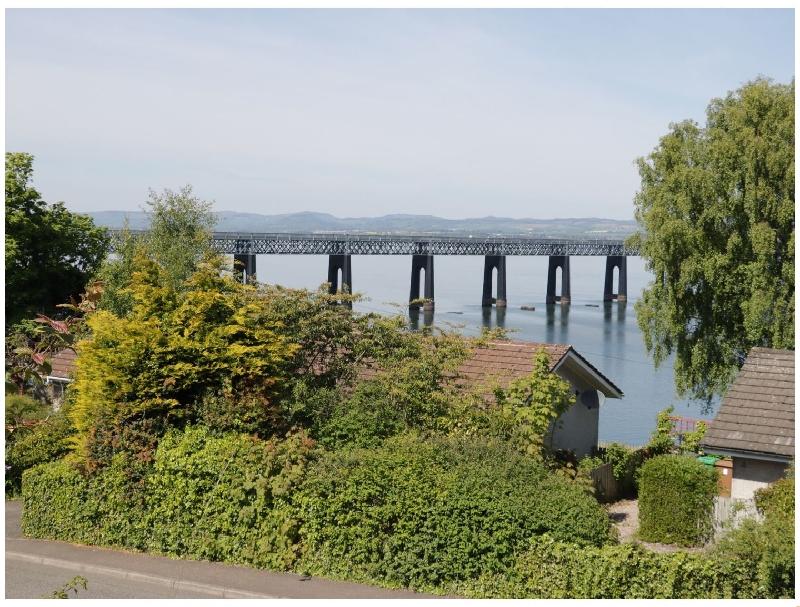 Short Break Holidays - Bay View Cottage