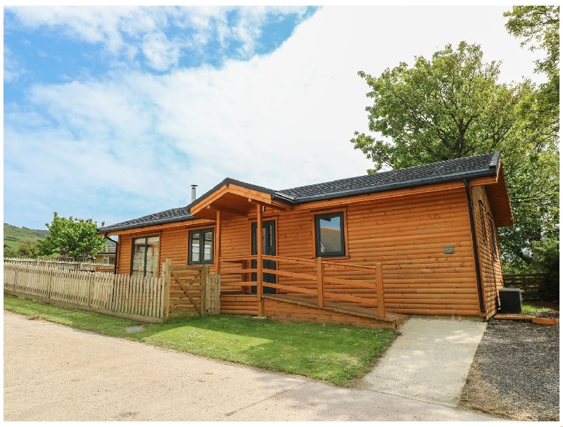 Short Break Holidays - Chale Farm Lodge