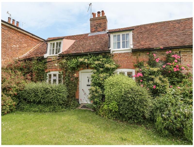 Short Break Holidays - Cottage On The Green