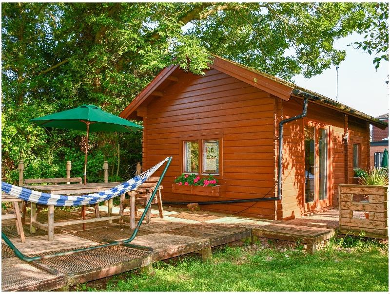 Short Break Holidays - Orchard Cabin