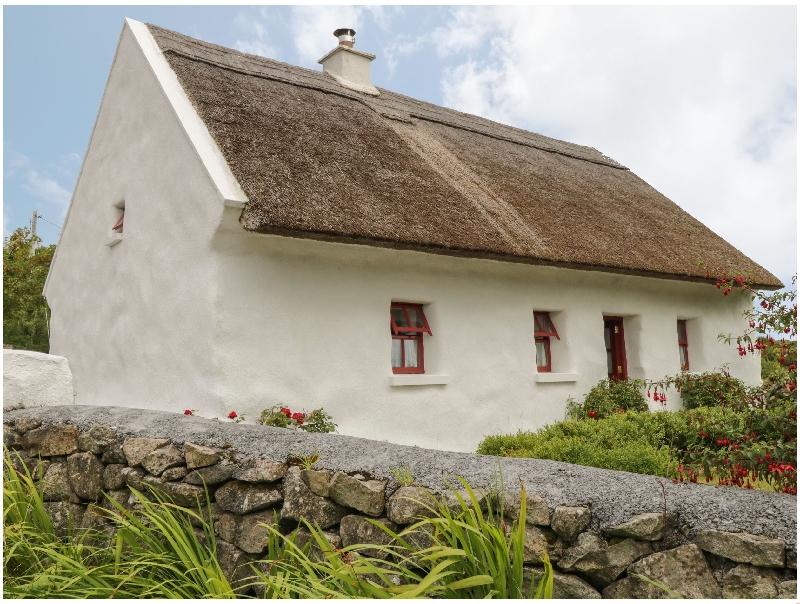 Short Break Holidays - Spiddal Thatch Cottage