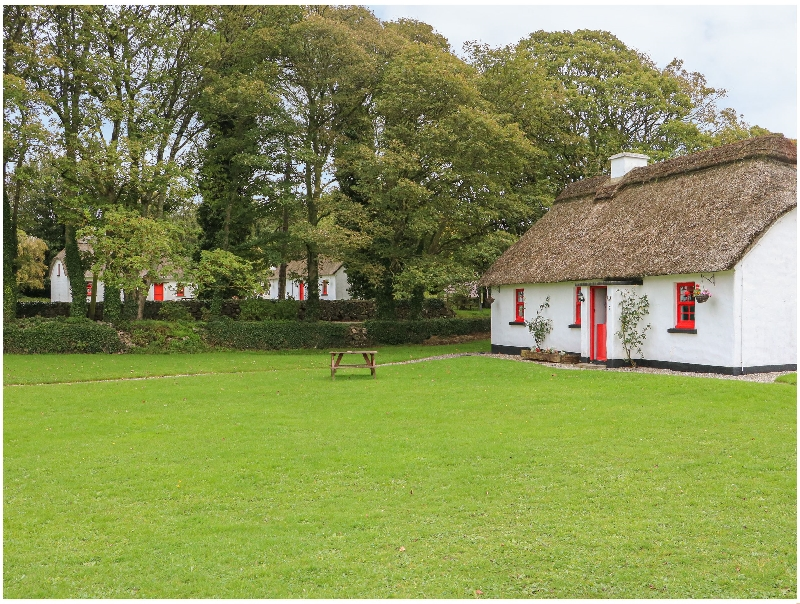Short Break Holidays - No. 7 Tipperary Thatched Cottages