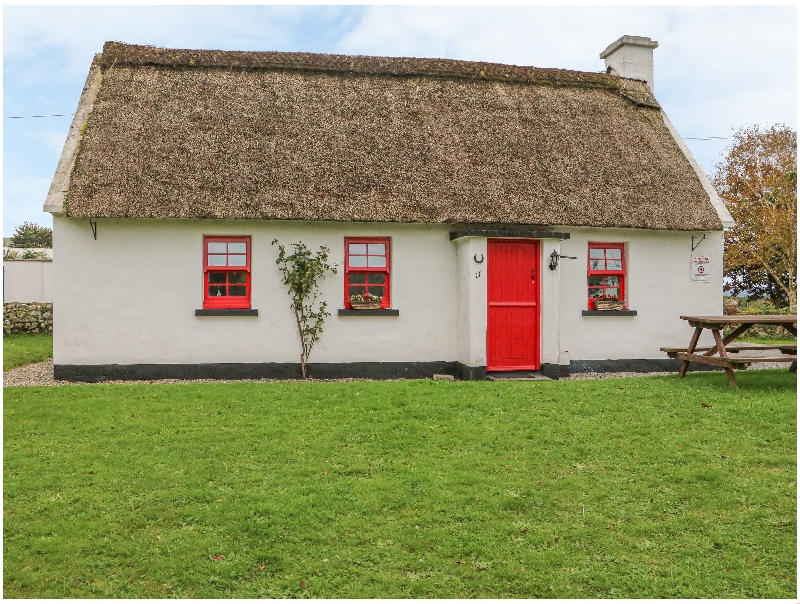 Short Break Holidays - No. 11 Tipperary Thatched Cottage