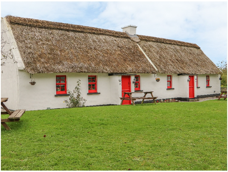 Short Break Holidays - No. 10 Tipperary Thatched Cottage