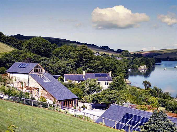 Short Break Holidays - Waterhead Barn and Farmhouse